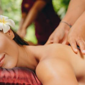 """Große Deluxe-Massage """"Von Kopf bis Fuß"""""""